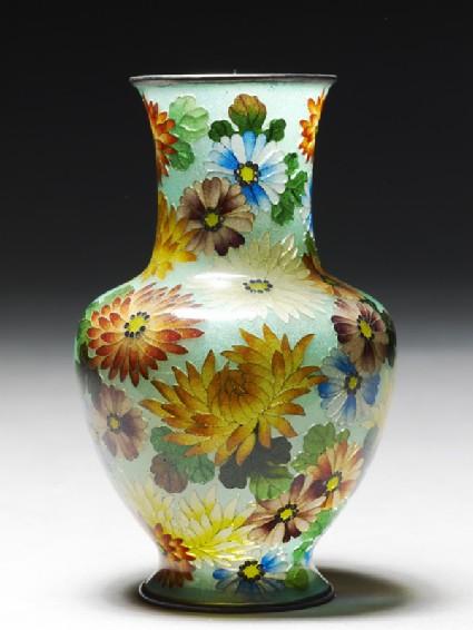 Baluster vase with chrysanthemumsside