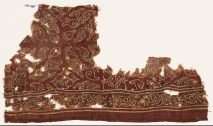 Textile fragment with leaves and quatrefoilsfront