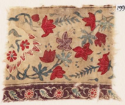 Textile fragment with naturalistic flowersfront