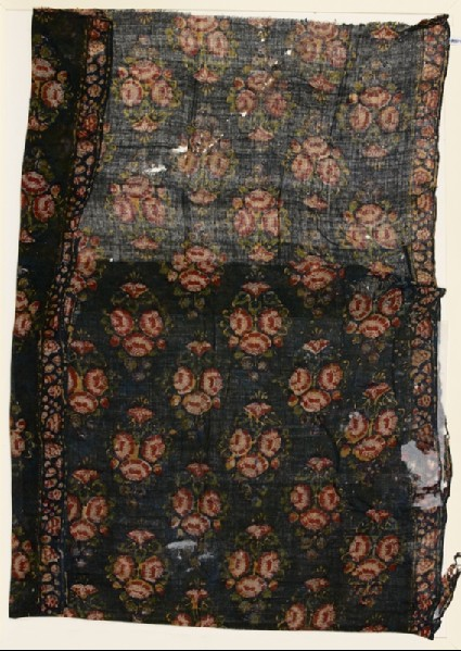 Textile fragment with bunches of flowersfront