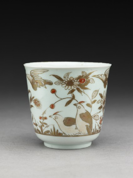 Cup with quails and flowersoblique