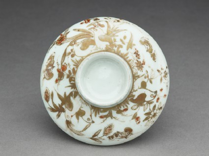 Lid with quails and flowerstop
