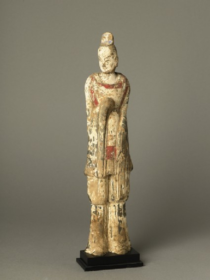 Standing guardian figureoblique