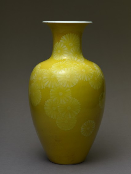 Baluster vase with stylized chrysanthemumsside