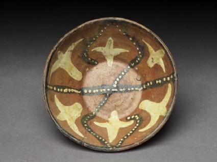 Bowl with dotted and floral decorationtop