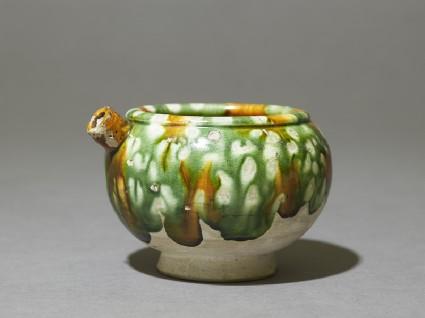 Jar with spout and three-colour glazeoblique