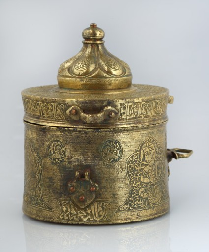 Inkwell with inscription and musiciansfront