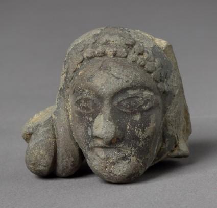 Head of a female figurefront