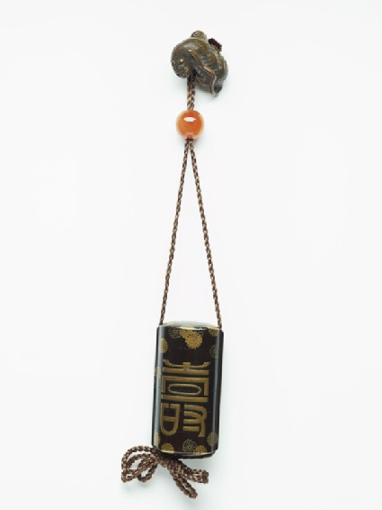 Inrō attached to a tiger-shaped netsuke and an ojimefront