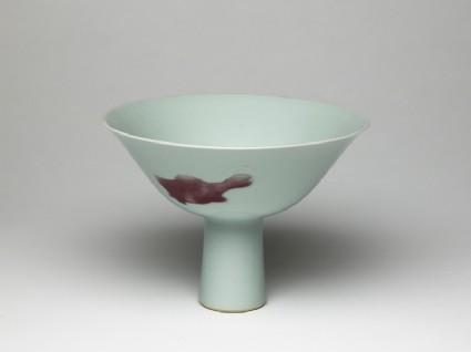 Stem cup with fishoblique