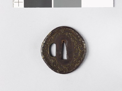 Tsuba with 'stick-lac' decorationfront