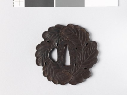 Tsuba in the form of two overlapping oak leavesfront