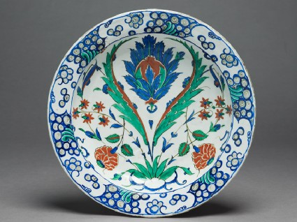Dish with flowers and saz leavestop