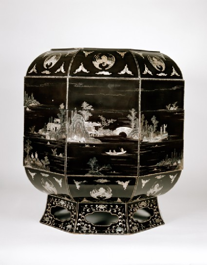 Octagonal box with landscapeside