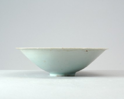 White ware bowl with peony decorationfront