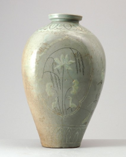 Greenware vase with birds and floral decorationfront