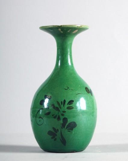 Vase with floral decorationfront