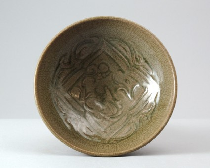 Greenware bowl with xiniu ox gazing at the moonfront