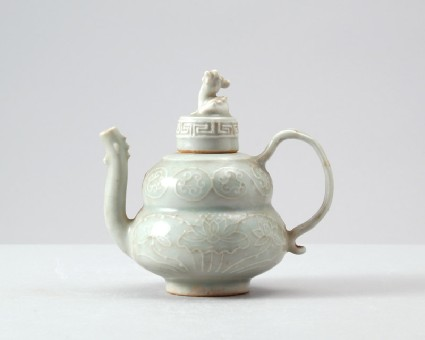 White ware ewer and lid with floral decorationfront