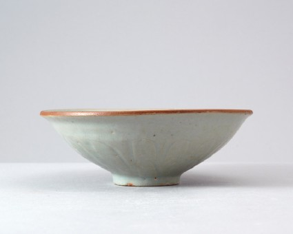 White ware bowl with a goose and plantsfront