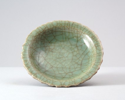 Greenware dish with foliated rimfront