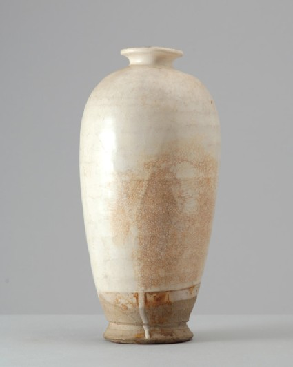 White ware meiping, or plum blossom, vasefront