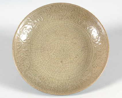 Greenware dish with peony decorationfront
