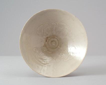 White ware bowl with four boysfront