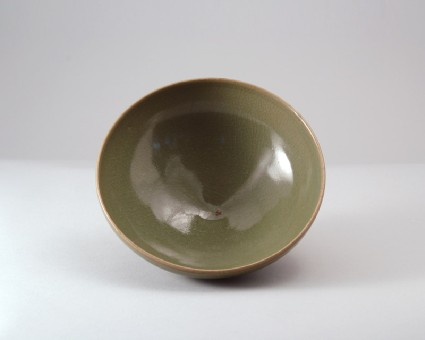 Bowl with green glazefront