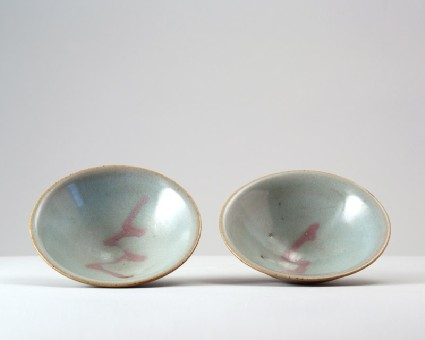 Bowl with blue glazefront